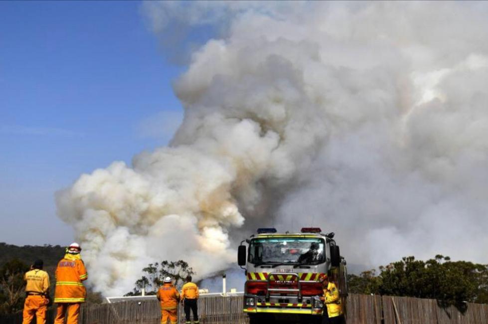 NASA:澳洲林火烟雾至少绕地球飘移一圈