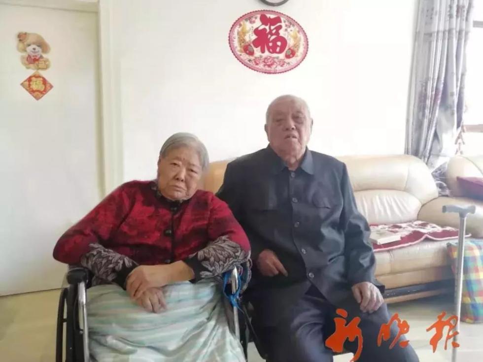 """1元纸币上的女拖拉机手,90岁""""人民币女郎""""梁军去世"""
