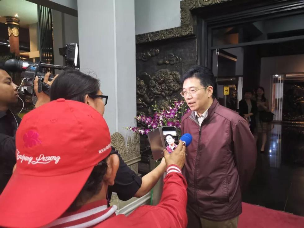 新任驻东盟大使邓锡军抵雅加达履新