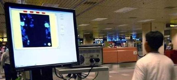 武汉机场红外线测体温,转送定点医院排查发热异常旅客8人次