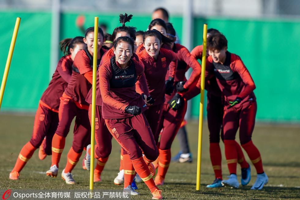 奥运军团巡礼 中国女足:褪去强队身份,我们的胜利全靠拼
