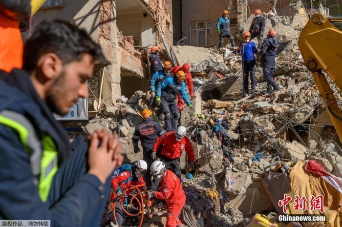 土耳其:强震遇难者遗体已全部找到 将投入重建