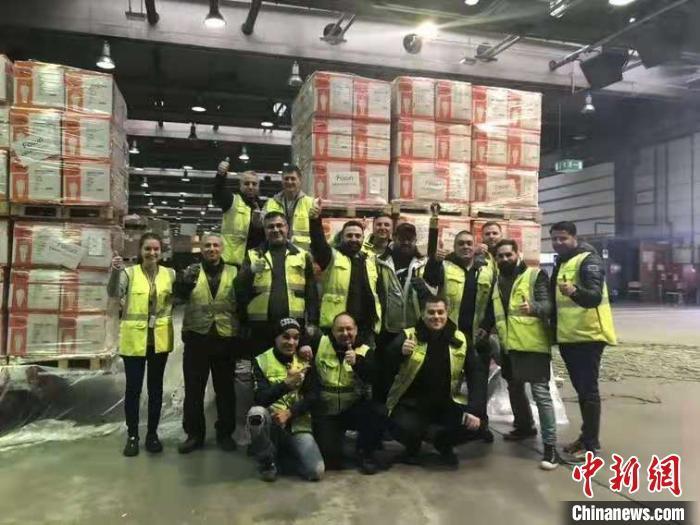 复星全球采购并捐赠的医疗物资首批运抵上海