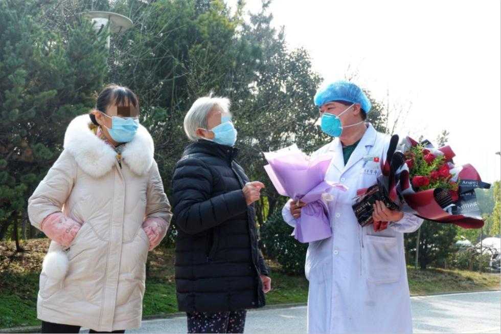 她,82岁,痊愈出院!