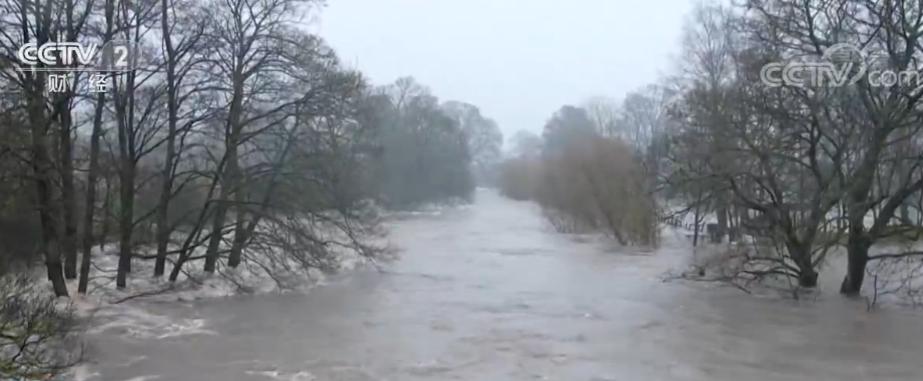 """风暴""""西娅拉""""袭击英国多地 登陆欧洲大陆带来狂风暴雨"""