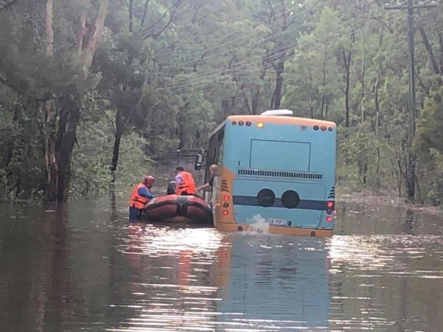 暴雨有望在本周扑灭澳大利亚山火,但洪灾又来了