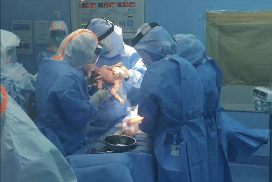 新冠肺炎孕产妇的生命接力