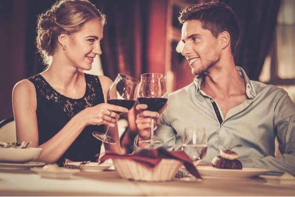 男性对能喝vs不能喝酒女性的受欢迎程度有哪些不同