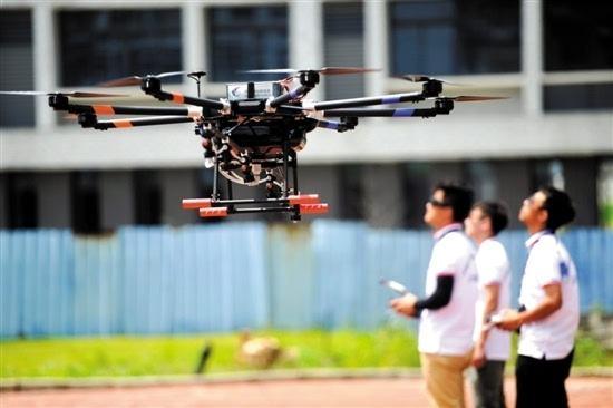 无人机企业高管们谈飞手招聘:零基础可入行 月薪过万难