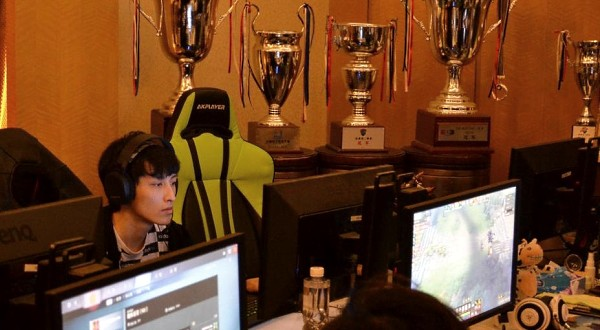 中国电子竞技运动趋于职业 主场馆建设领先世界