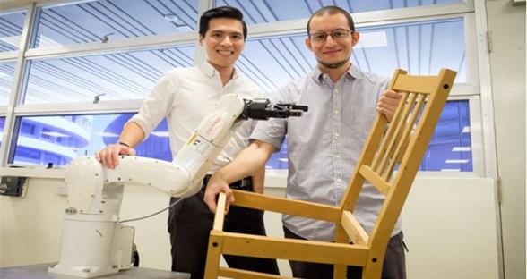 新加坡现自动化机器人 组装椅子平均仅需20分钟