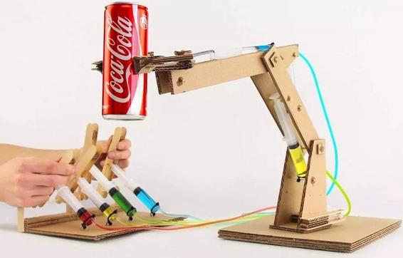 用纸壳自制机器人手臂