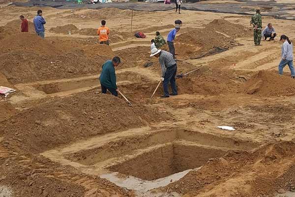 郑州拆迁工地接连发现古墓群 施工已停止