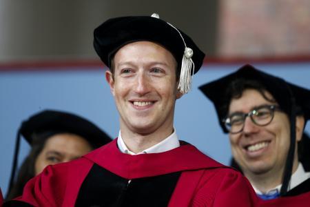 FaceBook拟推太阳能无人机上网服务