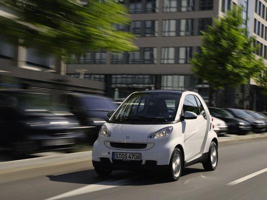 奔驰宣布在美召回4.3万辆发动机起火隐患Smart Fortwo